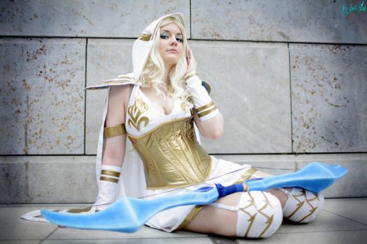 Ashe (Freljord Skin) - League of Legends - Cosplay by o0Anata0o