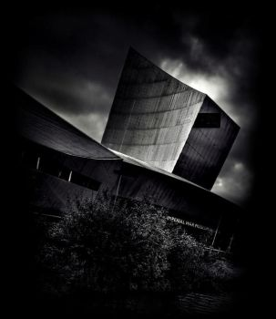 The Imperial War Museum by 4420