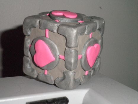Weighted Companion Cube by Nana-cat