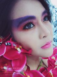 Colourful orchid glitter makeup by adiar
