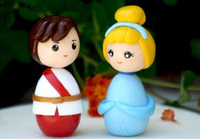 Cinderella and prince kokeshi cake topper by chikipita