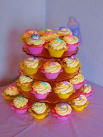 Baby Shower cupcakes by OliveDrop