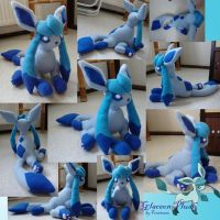 Glaceon plush by Fenrienne