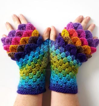 Festival! - Custom dragon gloves by FearlessFibreArts