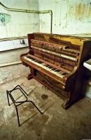 Pianissimo - 1 by Iscran