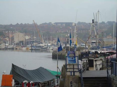 Whitby docks by kirk12Lumiere