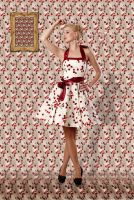 Patterned dress and matching wallpaper by muffinn2