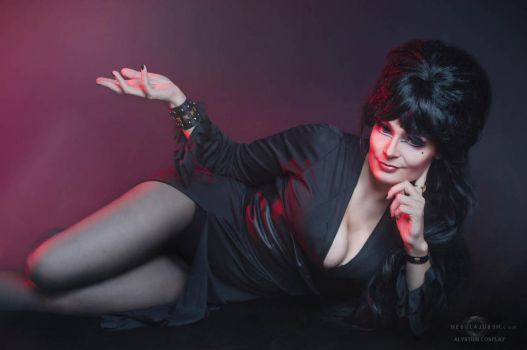 Until then,this is Elvira saying unpleasant dreams by alystrin