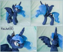 Custom plush Luna 12 inches by Valmiiki