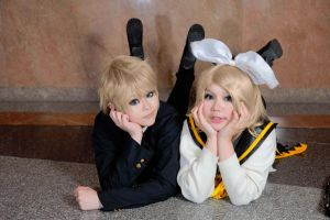 Vocaloid Rin and Len by Asuka10