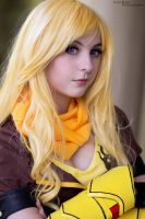 Yang Xiao Long - RWBY by alyonheart