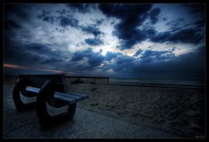 A seat in the night by zardo