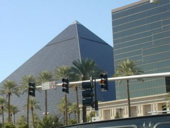 Pyramid in Vegas by PeacemakerUta