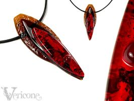 Quia - glass lowrider pendant by vericone