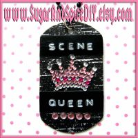 Scene Queen Crown Necklace by wickedland