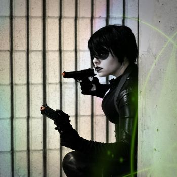 Domino by Scarlett-Quinn