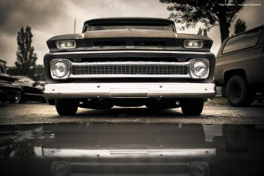 Classic Suburban by AmericanMuscle