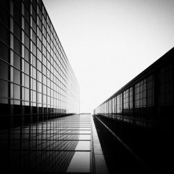 10.000 Mirrors by Chinacomplex