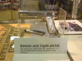 Bonnie and Clyde Pistol by AshPnX