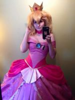 Peachy Selfie by ChelzorTheDestroyer
