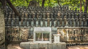 Buddhas near a temple in S.Korea by thebxs