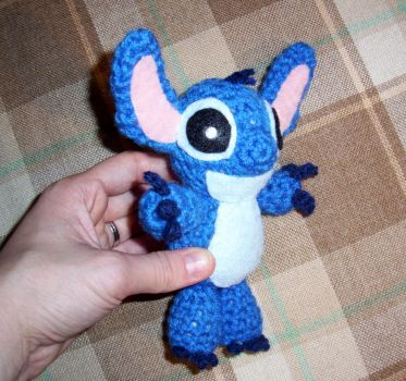 Stitch from Lilo and Stitch crocheted by happysquidmuffin