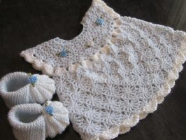 Handmade Baby Crochet Dress and Booties set (0-6 m by MagicalString