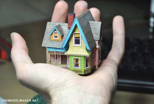 Model of flying house from Up by artmik