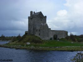 Dunguaire Castle by colin6969