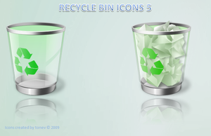 Green recycle bin by tonev