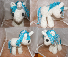 DJ PON3/Vinyl Scratch Filly by Crowchet