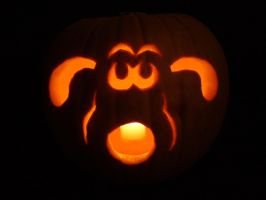 Gromit Pumpkin (lit) by artjuggler