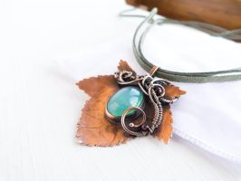 Currant leaf - wire copper pendant by UrsulaJewelry