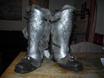 Skyrim-esq Boots by brazenrogue