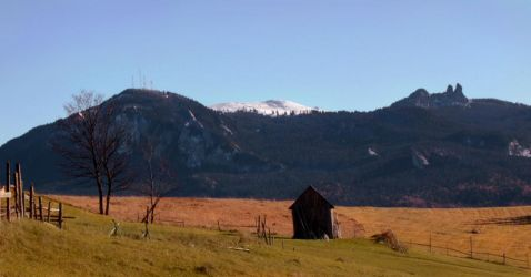 First Snow on Rarau Peak by CarpathianStorm