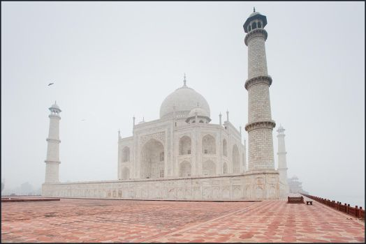 Foggy Taj by IgorLaptev