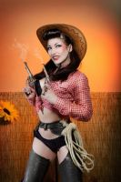 Comtesse Lea pin up cowgirl by TheComtesseLea