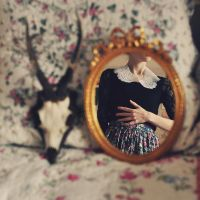 In the mirror by Holunder