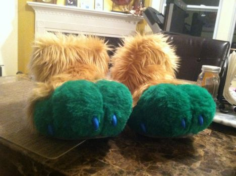 MoonShadow Feet WIP by PawthenticCreations