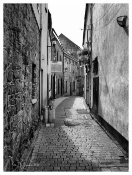 Side Alley in Galway, Ireland by Pajunen