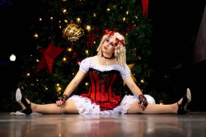 Christmas Doll by redvideo