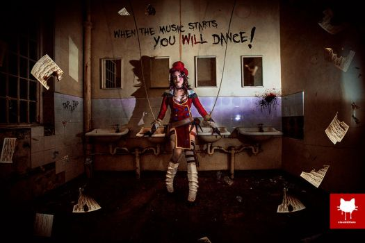 Moxxi's Asylum - Dance by steamkittens