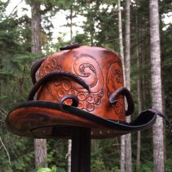 Leather steampunk octo top hat by Skinz-N-Hydez