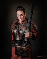 Shieldmaiden leather armor vikings cosplay by Lagueuse