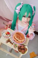 Vocaloid lots of laugh - Miku by Xeno-Photography