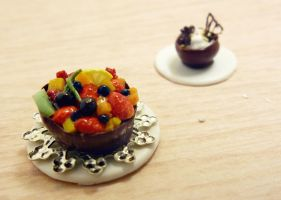 Fruity chocolate cup by Nassae