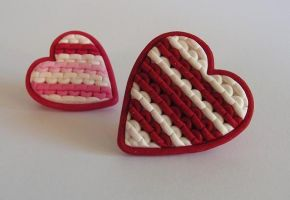 knitted heart brooches by OriginalBunny