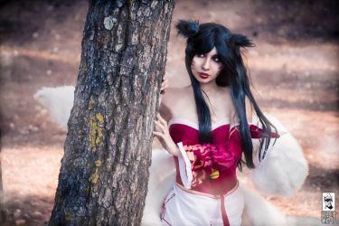 Classic Ahri by AngieV Cosplay by AngieV-Cosplay
