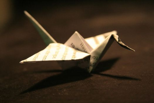 paper crane by porcelain-cat
