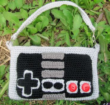 NES Controller Purse by NerdyKnitterDesigns